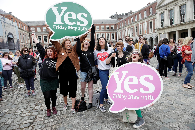 """A histórica vitória do """"sim"""" no referendo sobre o aborto na Irlanda"""