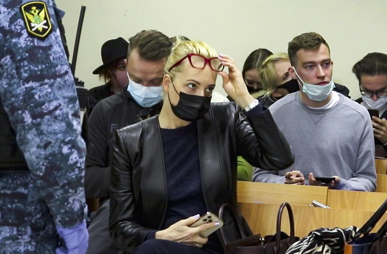 Юлия Навальная, жена политика, на заседании суда 29 апреля 2021 г. Фото предоставлено агентству AP пресс-службой Бабушкинского райсуда г. Москвы