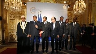 François Hollande withthe presidents of Comoros, Tanzania, Cameroon, Togo, Gabon and Côte d'Ivoire