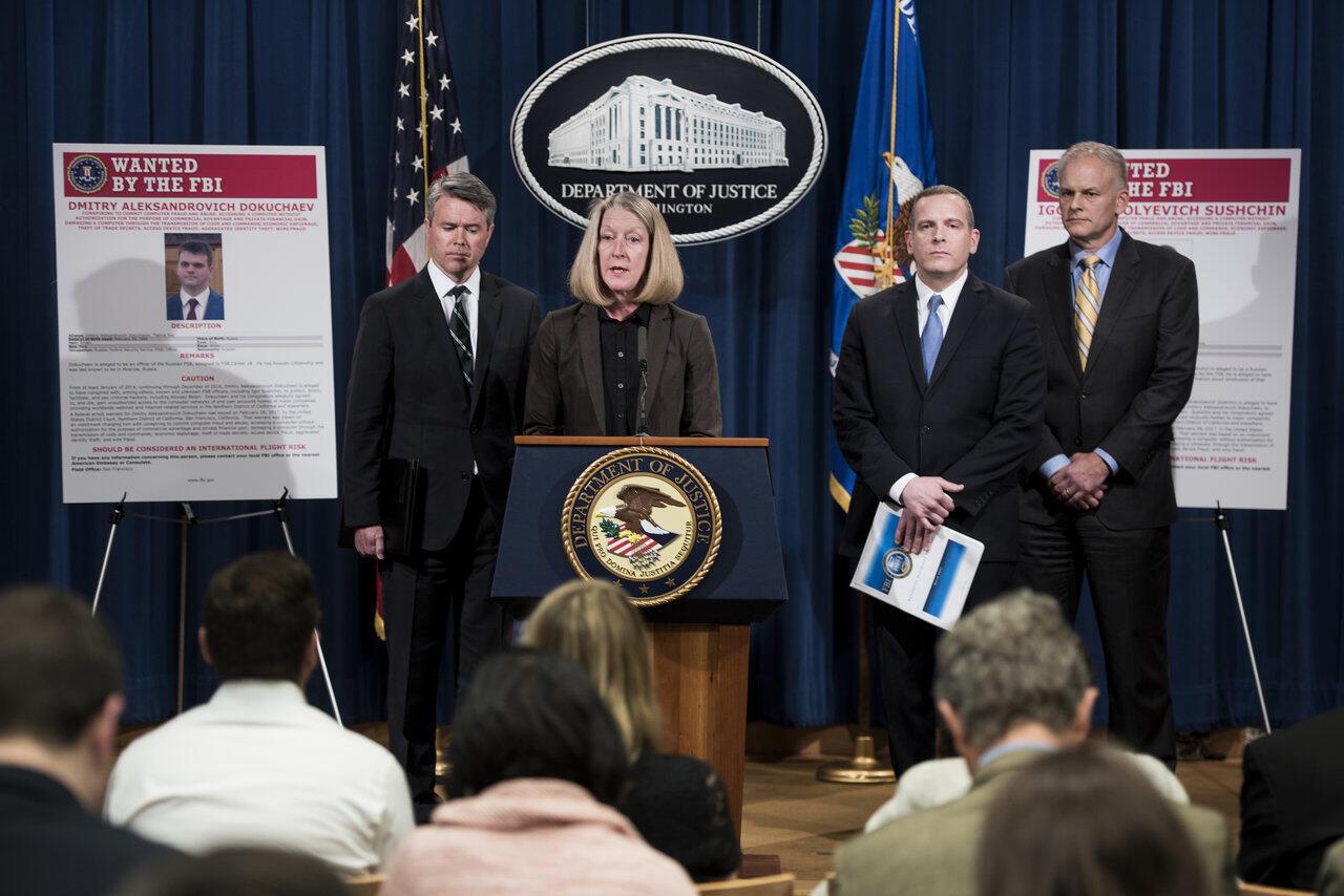 Bộ Tư Pháp Mỹ thông báo về thủ phạm vụ tấn công tin tặc nhắm vào Yahoo năm 2014. Ảnh ngày 15/03/2017.