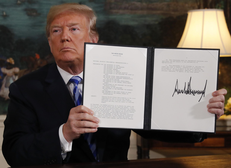 ترامپ پس از سخنرانی، دستور تحریمهای جدید علیه ایران را امضا کرد
