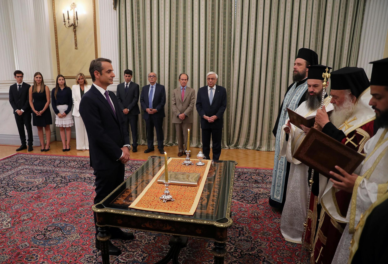 Prestation de serment de Kyriakos Mitsotakis comme Premier ministre, au palais présidentiel à Athènes, lundi 8 juillet.