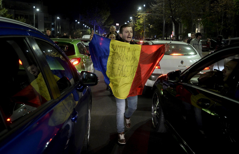 Người biểu tình đòi thay thế toàn bộ hệ thống chính trị sau thảm họa cháy vũ trường, cho dù thủ tướng Victor Ponta đã phải từ chức.