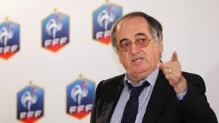 Le président de la Fédération française de football, Noël Le Graët, en conférence de presse, le 3 juillet 2012.