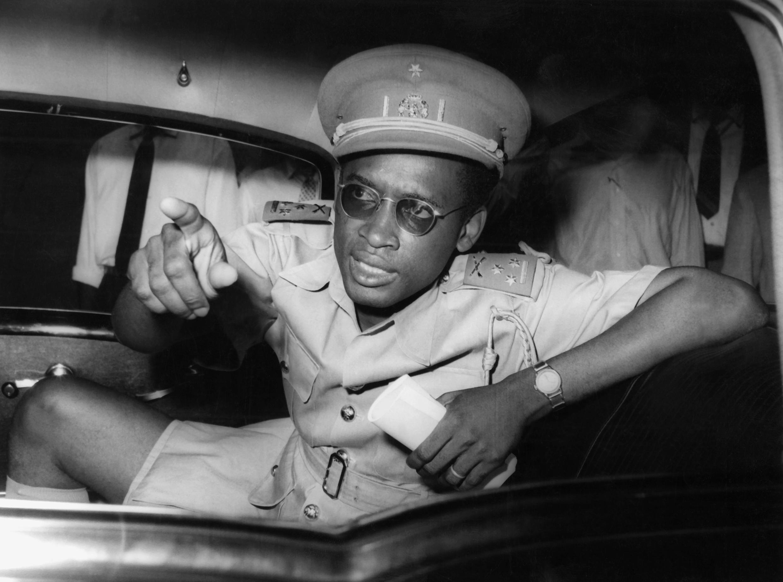 Le colonel Mobutu Sese Soko répond aux questions des médias, le 16 septembre 1960