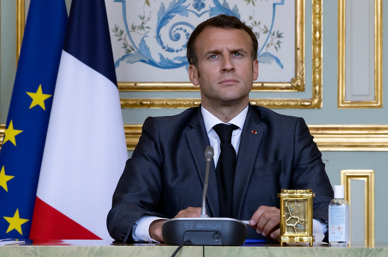Emmanuel Macron asiste a la cumbre virtual sobre el clima a través de videoconferencia desde el palacio del Elíseo, el 22 de abril de 2021 en París