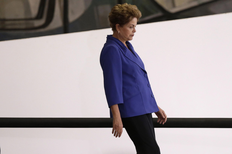 Dilma Rousseff arrive au palais du Planalto pour présenter son paquet de mesures anti-corruption, le 18 mars 2015.