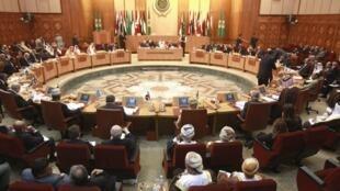 Reunião de urgência da Liga Árabe no Cairo em  12/11/2011.