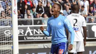 Le Camerounais Clinton Njie a doublé la mise avec Marseille face à Amiens, le 17 septembre 2017.