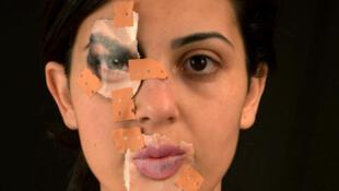 Ihsane Chetuan, née en 1986 à Tetouan. « Autoportrait ». Photo issue de la série « Transfigurations », 2014, exposée à la Cité internationale des arts dans le cadre de la première Biennale des photographes du monde arabe.