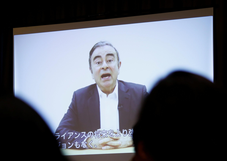 Conferência de imprensa em Tóquio a 9 de Abril de 2019 de advogados do antigo PCA da Nissan com vídeo gravado do ex patrão da Nissan Carlos Ghosn .