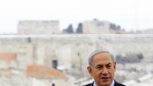 O primeiro-ministro de Israel, Benjamin Netanyahu enfrenta uma série de denúncias de gastos irregulares.