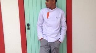 O estudante de Gastronomia Diego Ozanan gostaria de tentar trabalhar na sua área, em Paris.