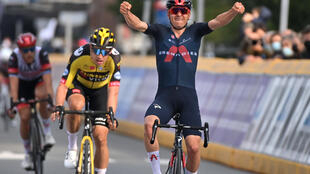 Tom Pidcock beats Wout Van Aert to the line for his first professional road race win