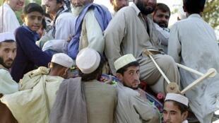 Au Pakistan, des réfugiés afghans dans le camp de Shamshatoo, à 45 kilomètres de Peshawar.