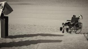 Exosquelette, pour se passer du fauteuil roulant?