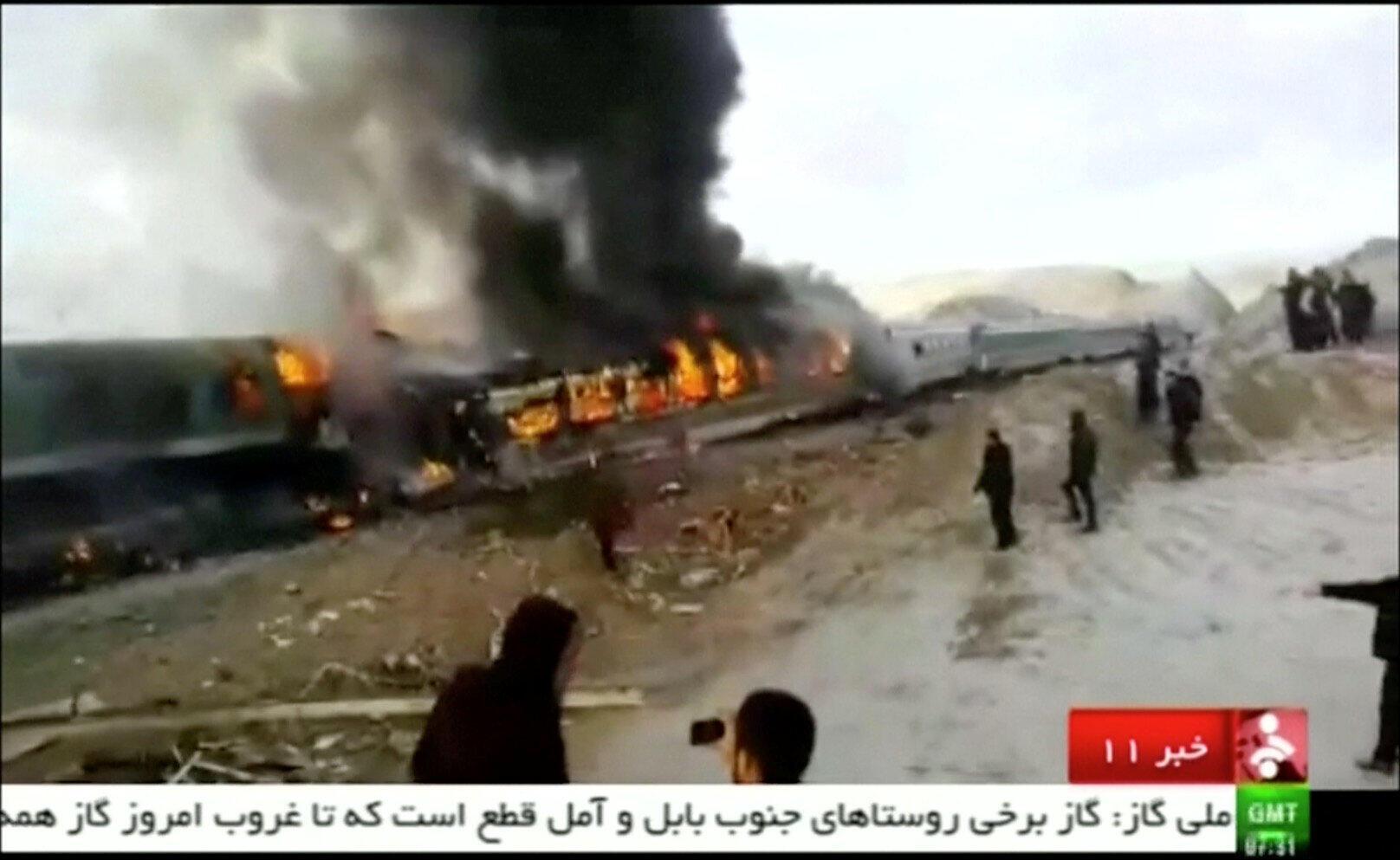 Imagem do choque entre dois trens no Irã