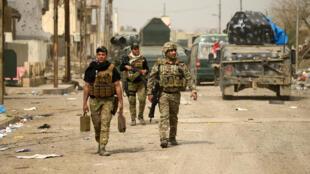 Các lực lượng dân quân Irak vào phía tây Mossoul, ngày 11/03/2017.