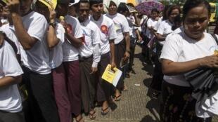 En Birmanie, les moines de Ma Ba Tha organisent des rassemblements partout dans le pays.