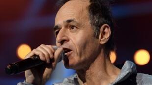 Le chanteur français Jean-Jacques Goldman lors d'un concert des «Enfoirés» en janvier 2014.