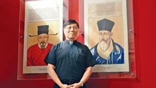 香港及九龍華仁書院校監、耶穌會神父周守仁2021年5月17日獲羅馬天主教教皇任命為香港教區新主教。