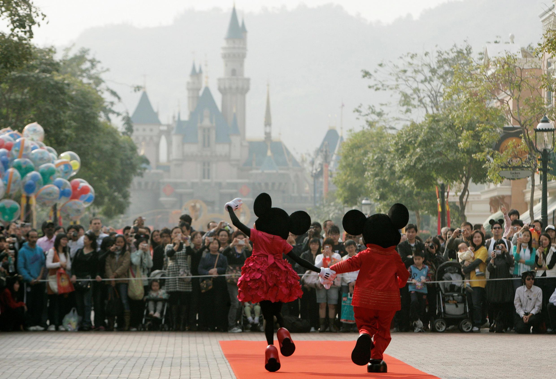 资料图片:香港迪斯尼乐园。摄于2008年1月21日。