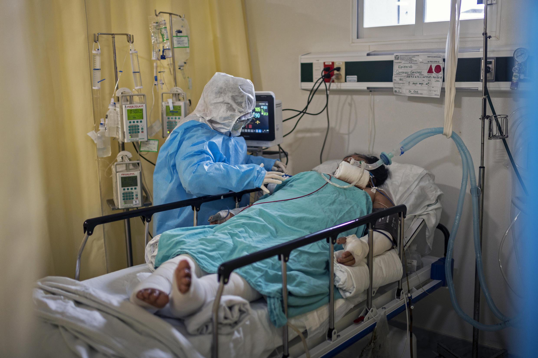 A pandemia da doença covid-19 já provocou pelo menos 809 mil mortos e infetou mais de 23,4 milhões de pessoas em todo o mundo, desde dezembro.