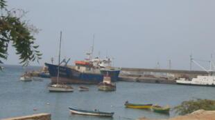 Ilha do Sal, Cabo Verde. Homem que morreu no hospital depois resgatado com outros 65 migrantes numa piroga que