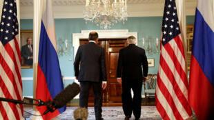 Сергей Лавров и Рекс Тиллерсон перед встречей с президентом США, 10 мая 2017 года.