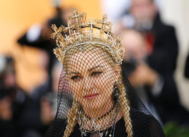 Madonna hợp tác với Gaultier từ năm 1989, gần đây lại xuất hiện tại Met Gala 2018 cũng với trang phục Gaultier