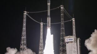 Espace : la fusée Vega réussit la mise en orbite de ses satellites