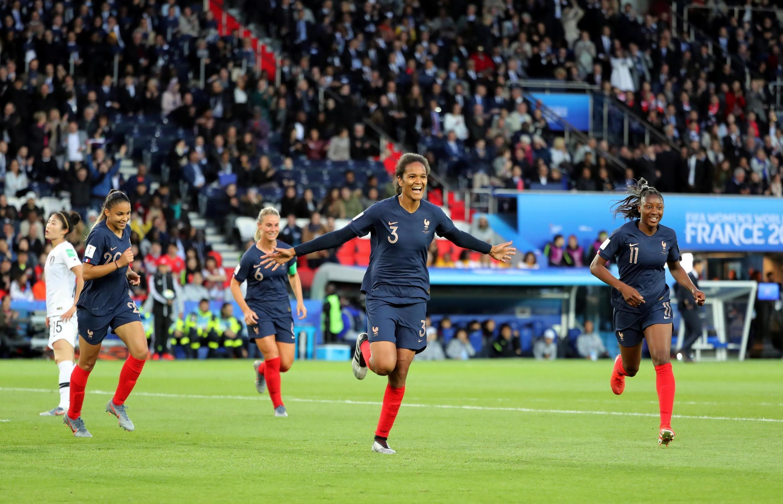 هشتمین دوره مسابقات جام جهانی فوتبال زنان از هفتم ژوئن در فرانسه آغاز شد.