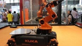 库卡公司所制造的机器人资料图片