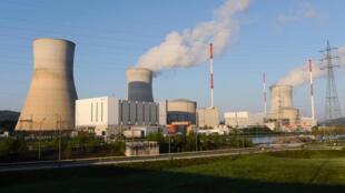 Berlin s'inquiète quant à la sûreté des réacteurs de Tihange 2, dans l'est de la Belgique, non loin de la frontière allemande, et de Doel 3, dans le nord du pays, près des Pays-Bas.
