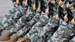 北京正在為十一慶典緊張地進行大閱兵演練