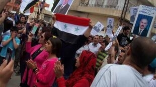 Syrian Kurds demonstrate in Qamishli Friday