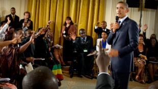 Rencontre en Afrique du Sud en 2013 entre le président Obama et des membres du réseau Yali.