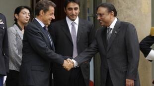 Asif Ali Zardari  and Nicolas Sarkozy at the Elysée Palace Monday