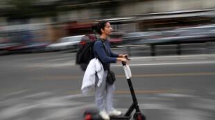 As empresas de locação de patinetes elétricos, bicicletas e mobiletes viram a procura explodir durante a greve