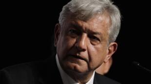 Andres Manuel Lopez Obrador, líder da oposição de esquerda mexicana, do Partido da Revolução Democrática (PRD).