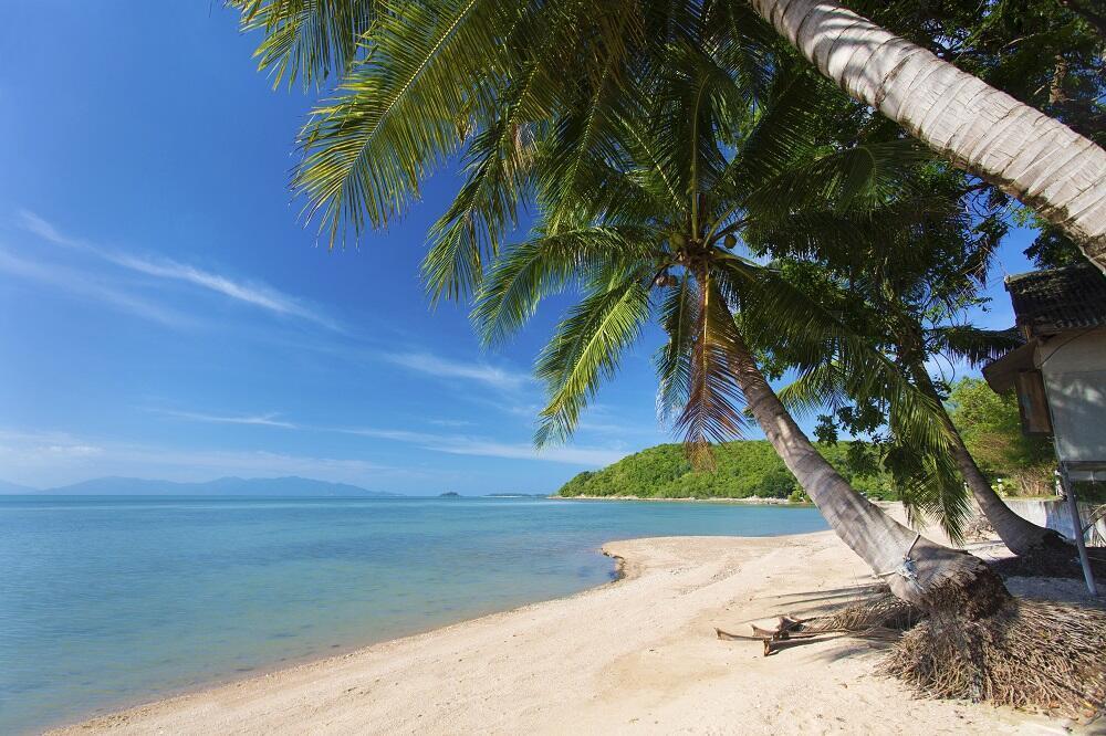 A partir du 1er novembre, fumer sera interdit sur les plages thaïlandaises. (Bangrak Beach, Koh Samui).