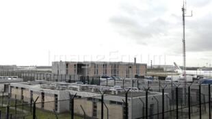 Centro de retenção administrativa para estrangeiros em  Mesnil-Amelot, norte de Paris.