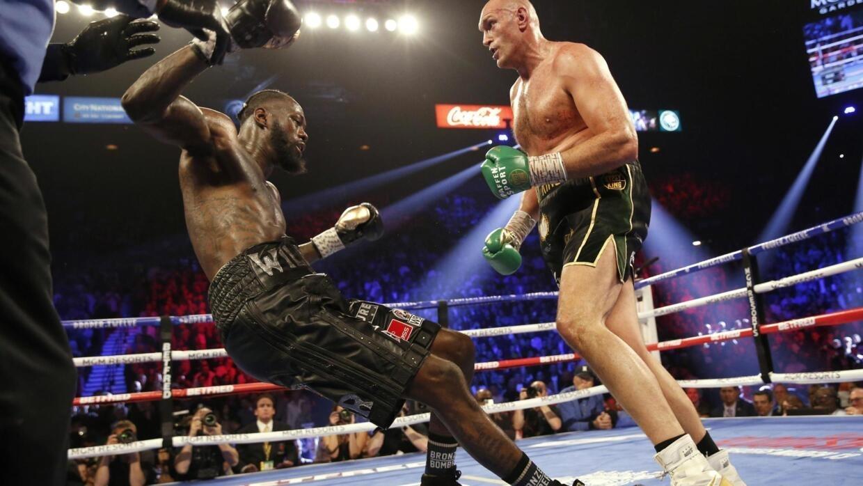 Boxe: Tyson Fury bat Deontay Wilder et devient roi des lourds