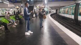 Paris_Metro_2020_05_11 Deconfinement Lockdown