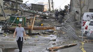 La ville de Nashville, dans le Tennessee a été touché par des tornades dans la nuit du 2 au 3 mars qui ont fait au moins 19 morts.