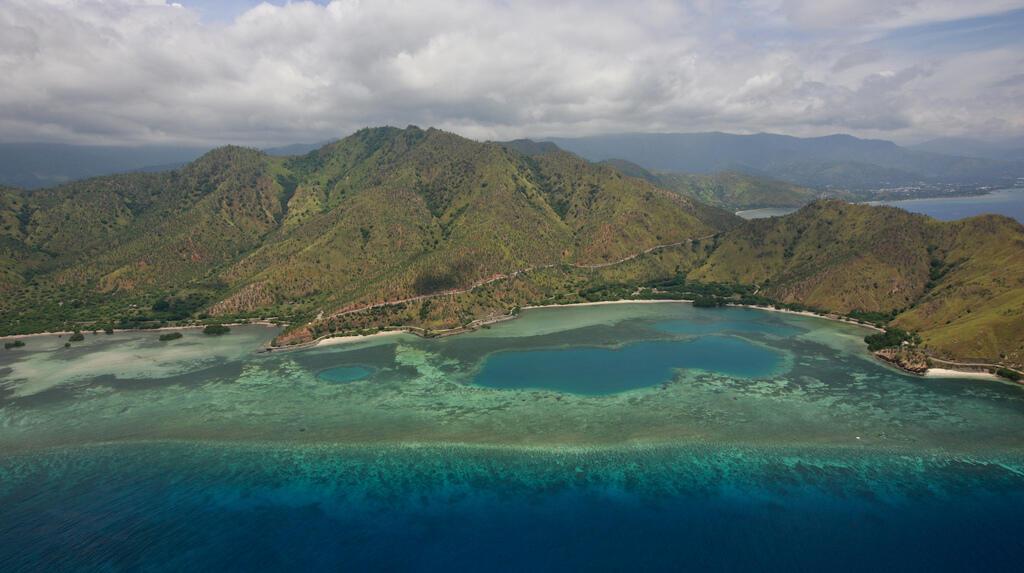 Vue aérienne près de Dili, Timor Oriental.