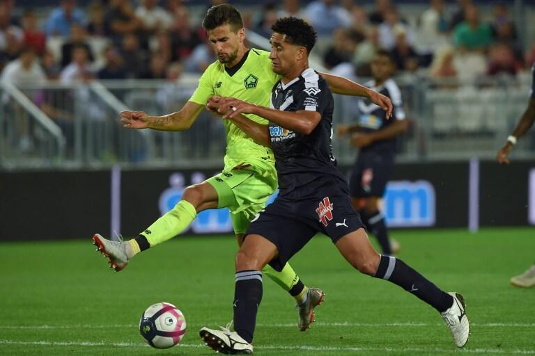 Rui Fonte, avançado português do Lille (esquerda), descobre o campeonato francês, ele que chegou durante o verão emprestado pelos ingleses do Fulham.