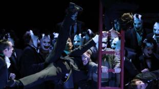 Rigoletto de Giuseppe Verdi, mis en scène par le canadien Robert Carsen.