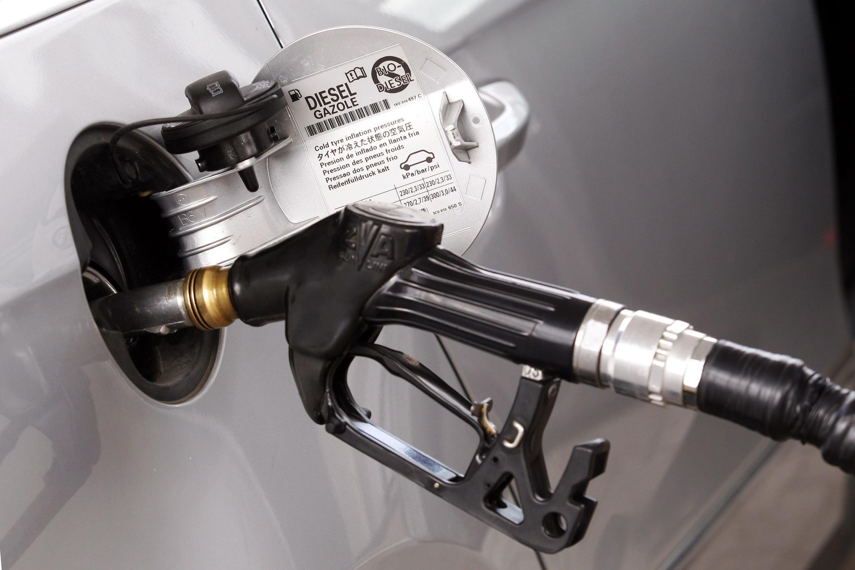O Tribunal de Contas da França recomendou um aumento do imposto sobre o diesel que pode deixar François Hollande em situação delicada.