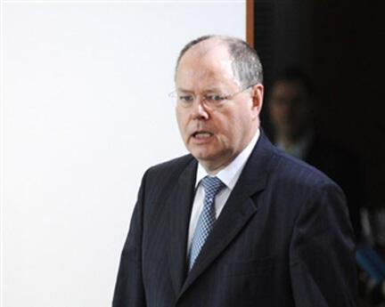 Peer Steinbueck zai yi takara da Angela Merkel a zaben 2013